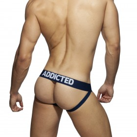 AD696 时尚基本款U型领T恤